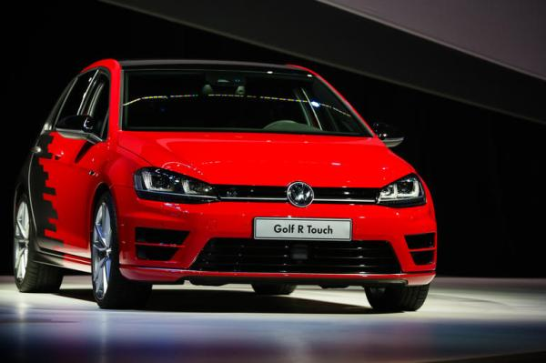 golf r touch front